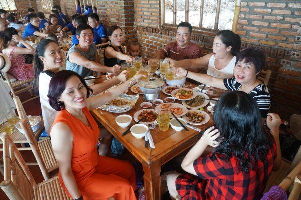Thưởng thức ẩm thực Nha Trang tại nhà hàng