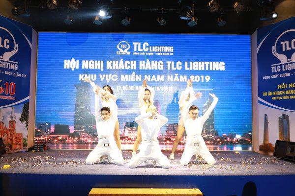 hoi-nghi-khach-hang-tlc-lighting17